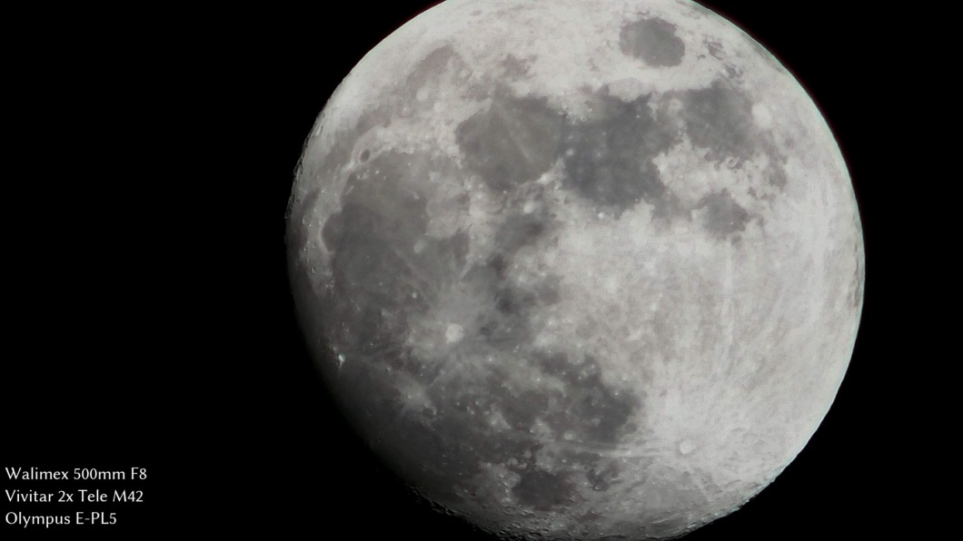 Moon video with Walimex F8 500mm and tele-converter