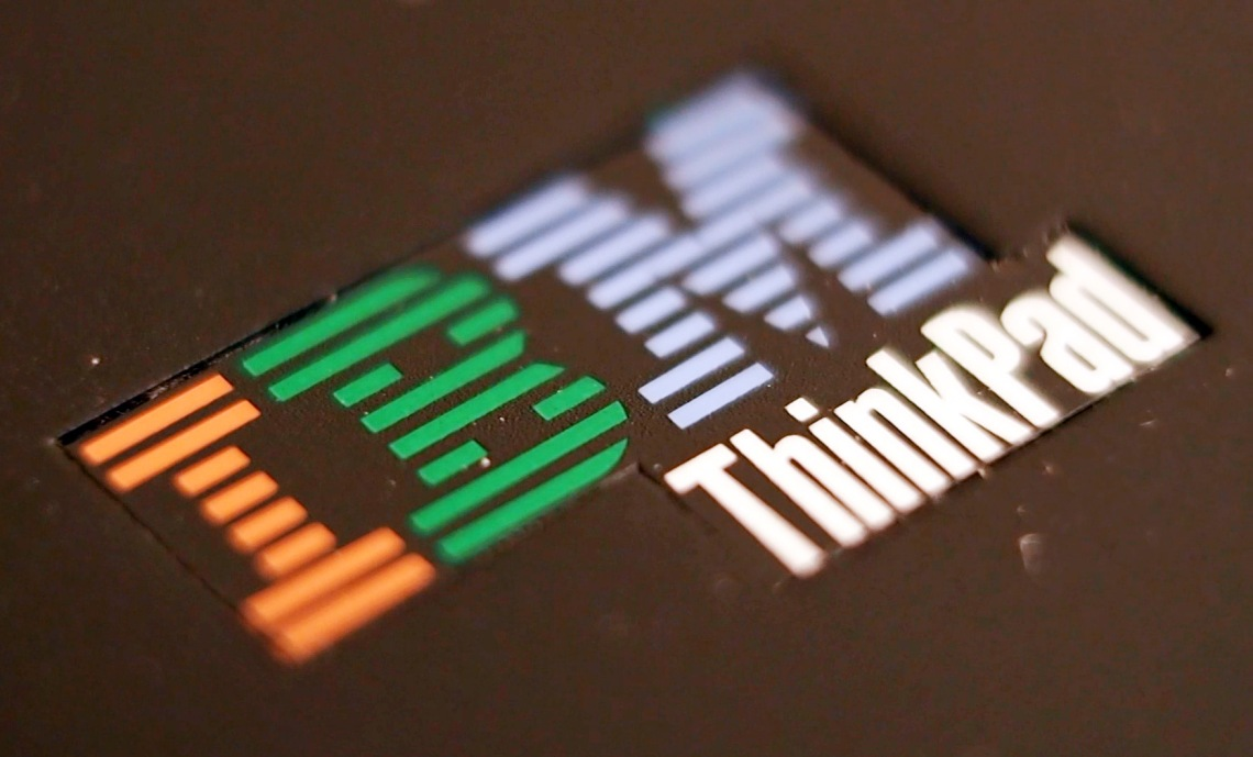 ThinkPad T60 IBM logo